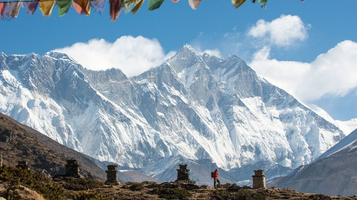 Panorama Pegunungan Everest. (Foto: GettyImages/Notey)