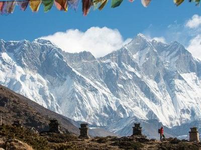 Antre Naik Puncak Everest, 2 Pendaki Tewas