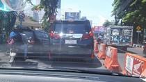 Alphard Berpelat Aneh Melenggang di Surabaya, Polisi: Itu Pelanggaran Berat