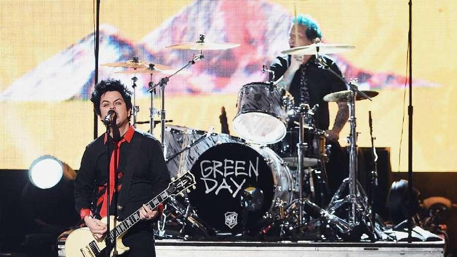 Aksi Para Penampil di American Music Awards 2016