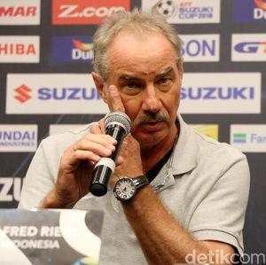 Gabung Persebaya, Kesempatan Kedua Alfred Riedl Cicipi Liga Indonesia