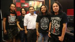 Powerslaves Rekam Ulang Lagu Lawas, Muara ke Album The Best