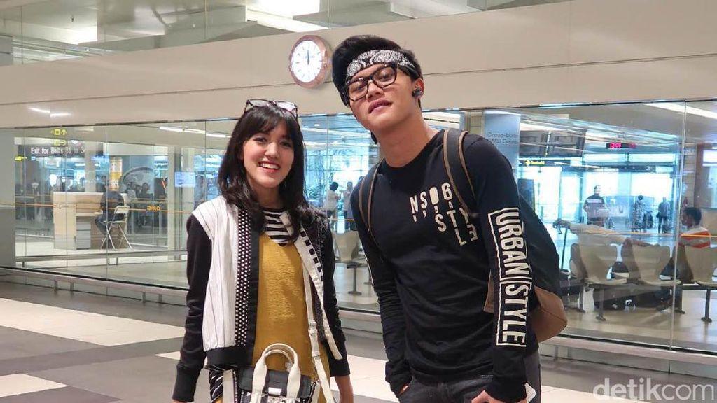 Rizky Febian dan Ify Blink Mendadak Duet di Singapura