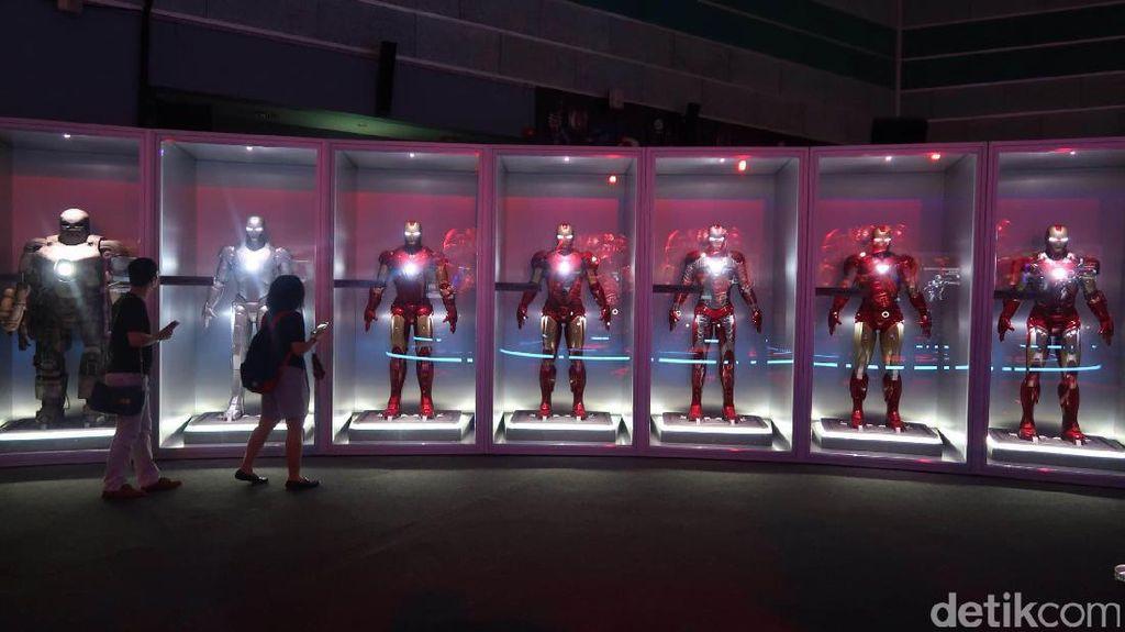 Foto: Serunya Bertemu Superhero Marvel dan Jadi Agen Avengers di Singapura
