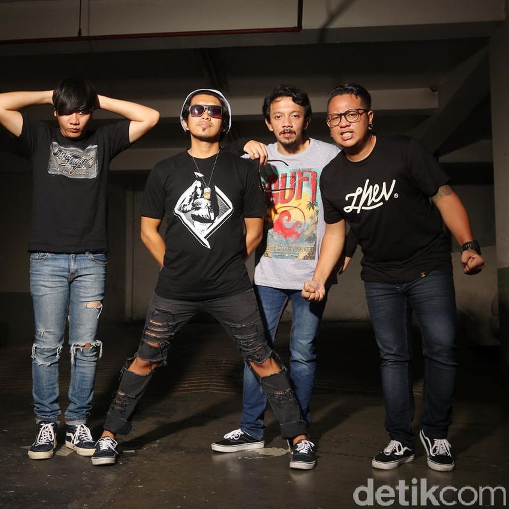 Rocket Rockers Mendadak Ditinggal Gitarisnya
