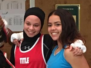 Didiskualifikasi dari Pertandingan Tinju, Hijabers Ini Malah Jadi Pemenang