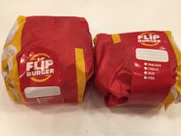 Flip Burger: Gurih Mantap <i>Smacker</i> Berisi Dua <i>Patty</i>, <i>Beef Bacon</i> dan Lelehan Keju
