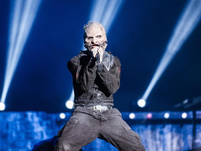 RIO DE JANEIRO, BRAZIL - SEPTEMBER 25: (FOR EDITORIAL USE ONLY) Corey Taylor from Slipknot performs at 2015 Rock in Rio on September 25, 2015 in Rio de Janeiro, Brazil. (Photo by Raphael Dias/Getty Images)