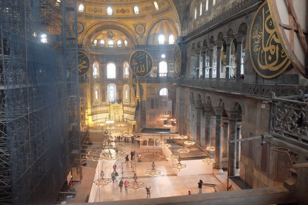 Hagia Sophia, dulunya gereja, diubah jadi masjid lalu kini jadi museum di Turki