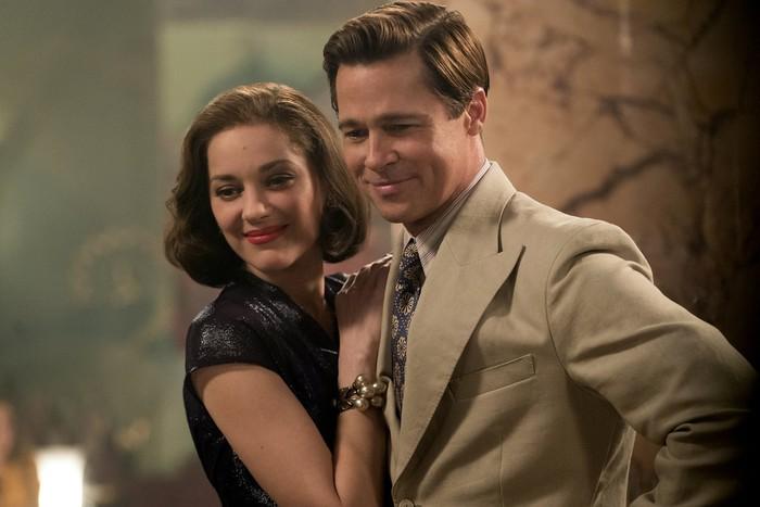 Screenshoot film Allied yang diperankan oleh Brad Pitt dan Marion Cotillard.