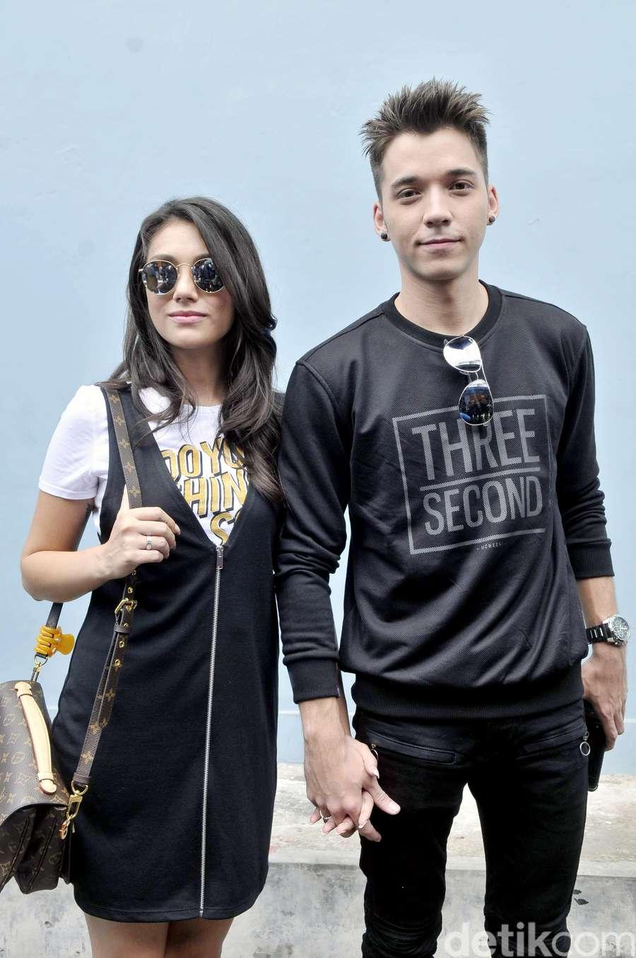 Love is in the Air! Stefan William dan Celine Evangelista Makin Mesra Aja