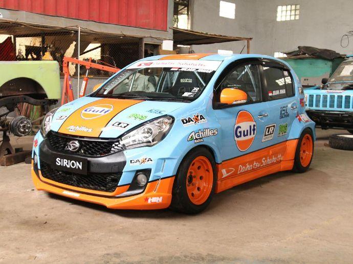Melihat Proses Modifikasi Daihatsu Sirion