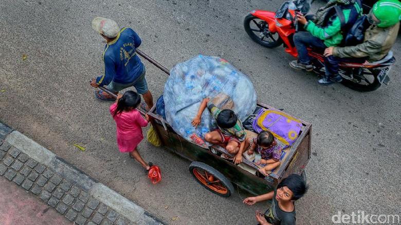 Sandi: Fenomena Manusia Gerobak di DKI Sudah Tak Ada