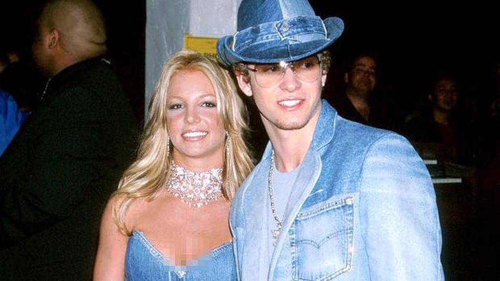 Justin Timberlake Menyesal Pernah Pakai Baju Kembaran dengan Britney Spears