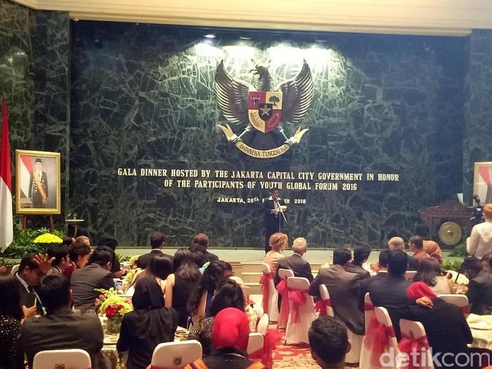 Plt Gubernur DKI Jakarta menjamu para peserta Youth Global Forum 2016. Foto: Ahmad Ziaul/detikcom