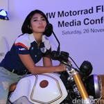 Biar Tak Kalah dari Negara Lain, Nabila Putri Oke Motor Masuk Tol