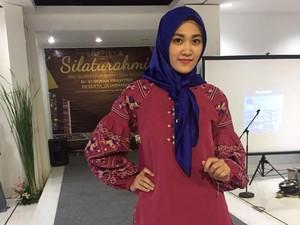 Shafira Angkat Sulam dan Bordir Bukittinggi di Indonesia Fashion Week 2017