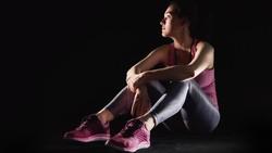 Beberapa gym melakukan cara unik untuk memikat perhatian. Mulai dari mempekerjakan instruktur berkostum pelayan hingga membebaskan pakaian alias telanjang.