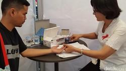 Tes HIV kadang dihindari karena khawatir ketahuan. Padahal semakin cepat diketahui penanganannya bisa lebih cepat dilakukan. Kalau kamu, sudahkan tes HIV?