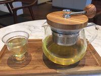 Penggemar Teh, Cold Tea yang Menyegarkan Bisa Dinikmati di Sini