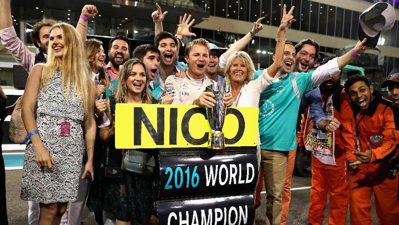 Jadi Juara Dunia, Rosberg: Danke Mama und Papa
