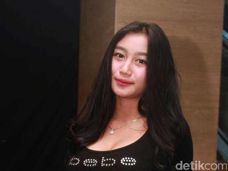 Duo Semangka Bugil Ngangkang: Foto Bugil Telanjang Duo Serigala Terbaru Eka Web Id