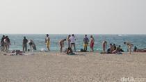 Arab Saudi Ikuti Dubai: Turis Boleh Berbikini di Pantai