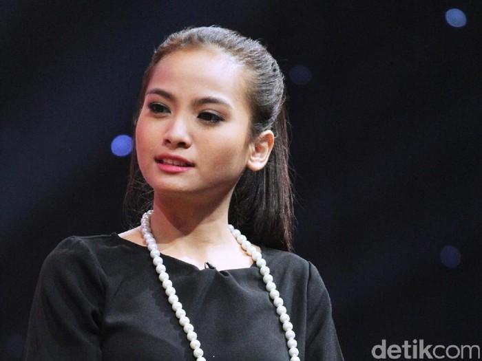 Acha Septriasa di Rooftop, Trans7, Kapten Tendean, Jakarta Selatan, Selasa (29/11/16)