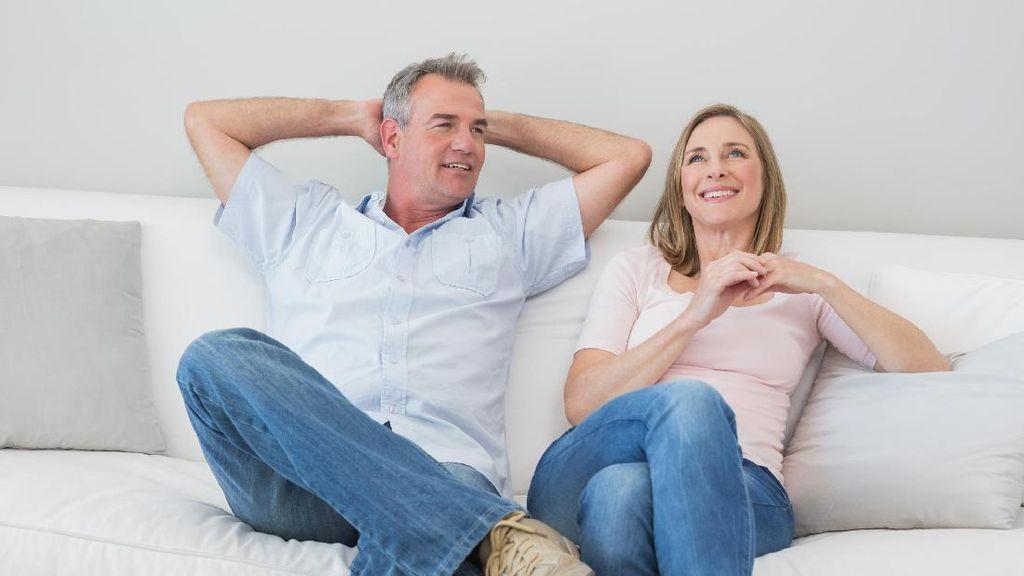 Dibantu Warga, Kisah Pria Agar Bisa Temani Istri Sakit Ini Hangatkan Hati