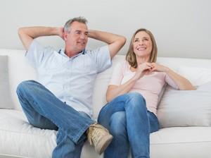 5 Cara Memberi Kesan Positif pada Calon Mertua Menurut Pakar Percintaan