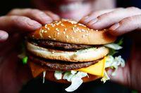 Wah! Sekali Makan Fast Food, Donald Trump Mengasup 2500 Kalori