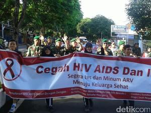 Masyarakat dan TNI di Banyuwangi Deklarasikan Gerakan Berani Cegah HIV