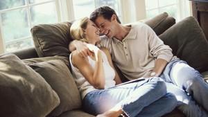 Rahasia di Balik Pasangan yang Masih Panas Meski Sudah Lama Bersama