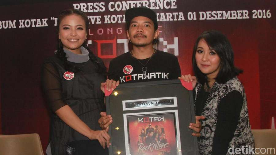 Kotak Dapat Platinum Awards
