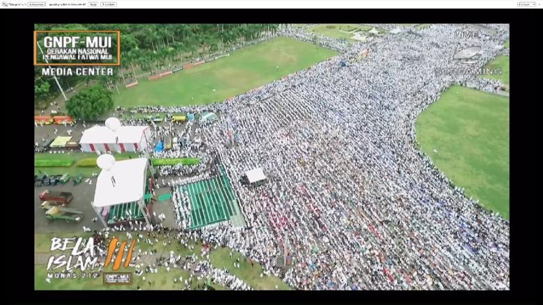 Pria Ini Hitung Jumlah Massa di Aksi 2 Desember, Begini Hasilnya