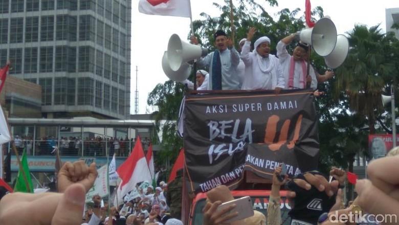 Komunitas Tionghoa Nobatkan Habib Rizieq Sebagai Man of The Year