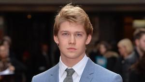 Ini Joe Alwyn, Pacar Baru Taylor Swift