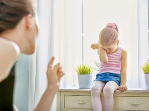 Yuk, Tahan Diri Nggak Bilang ke Anak: Nilai Kamu Cuma Segini?