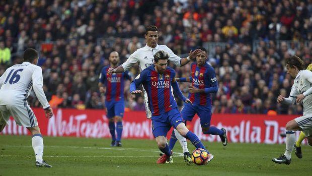 Lionel Messi senang bersaing dengan Cristiano Ronaldo di Liga Spanyol.
