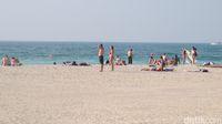Pantai Jumeirah di kawasan Palm Jumeirah (Afif Farhan/detikTravel)