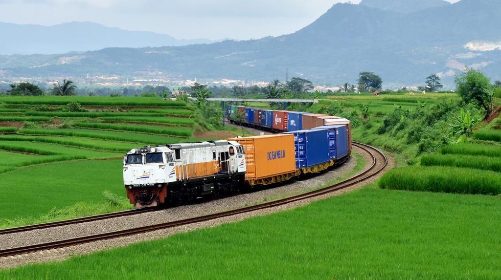 Angkutan Logistik Kereta dan Kapal Laut Kurang Diminati