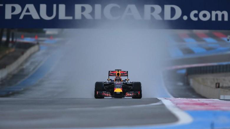 Webber Prediksikan Red Bull Jadi Penantang Mercedes di 2017