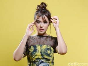 Gemas! Gaya Raisa Bolder in 2 Years Celeb of The Month
