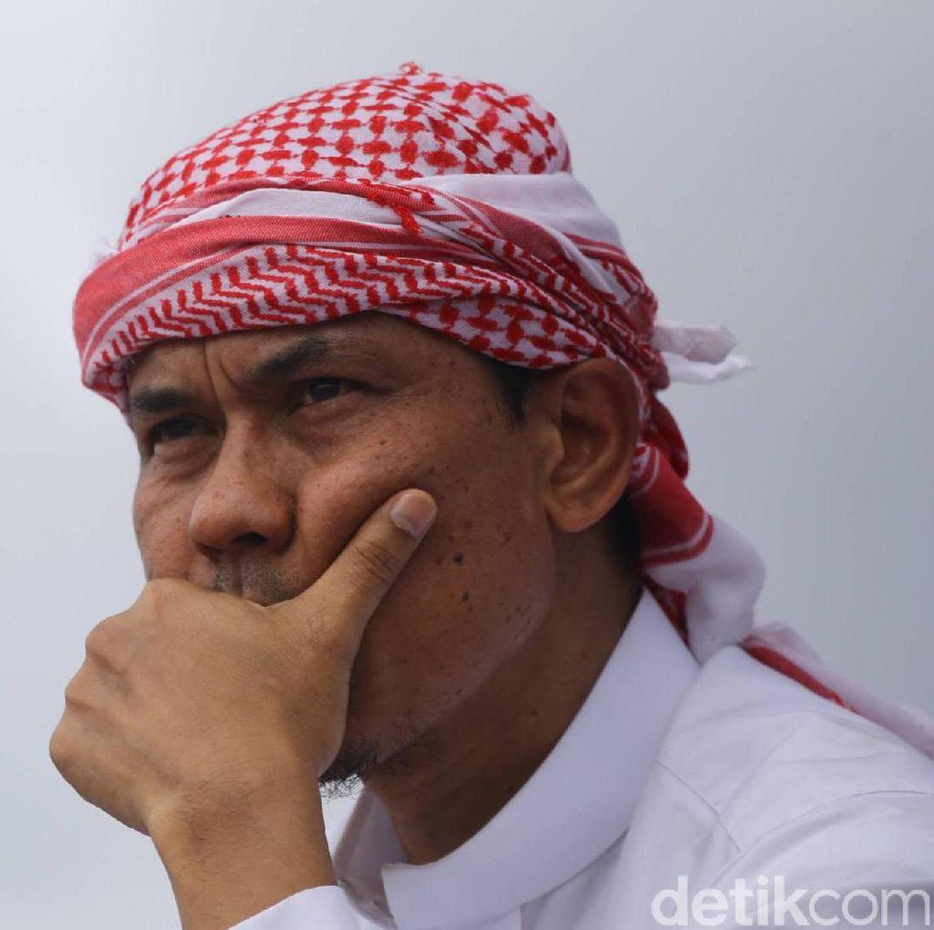 Munarman ke FPI: Awas Terjebak Survei LSI soal Habib Rizieq, Adu Domba