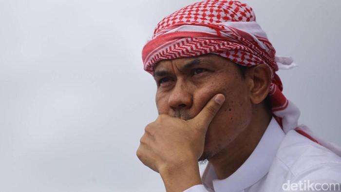 Munarman saat menghadiri aksi damai 2 Desember di Monas, Jakarta, Jumat (2/12/2016).