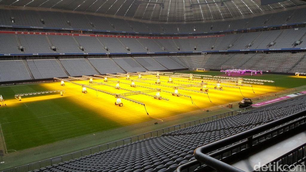 Tur stadion Allianz Arena, kandang Bayern Munich di Kota Munich