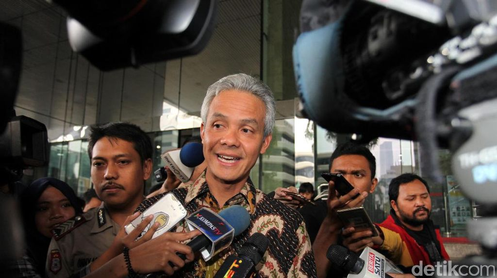 Protes Surat Miskin Palsu, Facebook Ganjar Pranowo Diserbu Netizen