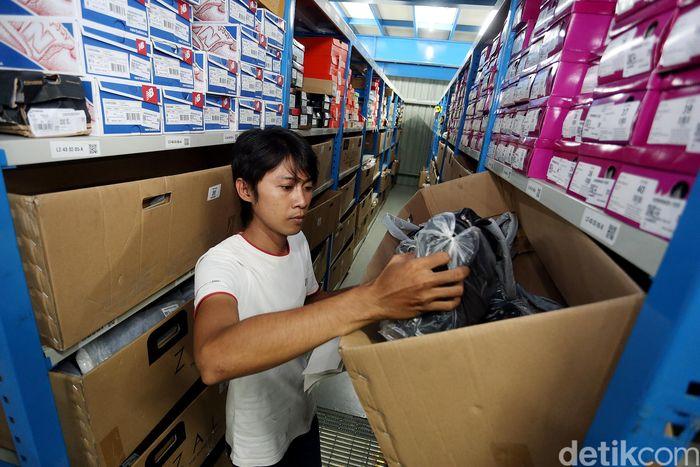 Mengintip Kinerja Warehouse Zalora Di Cibitung Foto 9