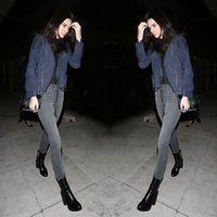 <i>Hot Trend:</i> Selena Gomez Sampai Kendall Jenner Pakai Boots Rp 7,3 Juta Ini