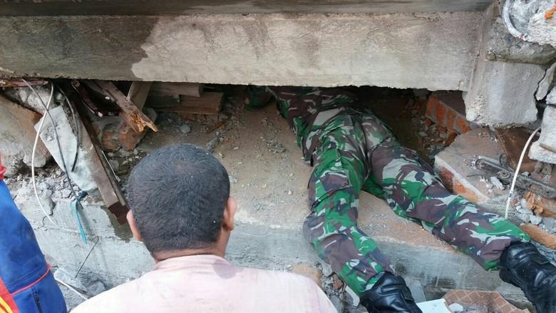 Cari Korban di Reruntuhan, BNPB Kirimkan Tim Ahli Collapse Building ke Aceh
